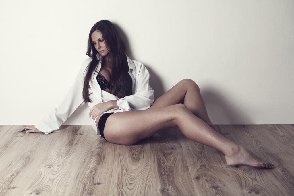 boudoir fotografie ženy s hnědým podtónem