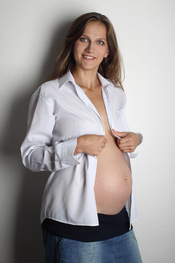 maternity photo with white men's shirt and skirt